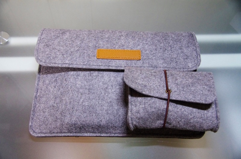 Inateck-Macbook-12inch-sleeve-case-review-15
