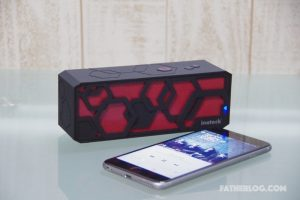 Inateck-Bluetooth-Portable-Speaker-01