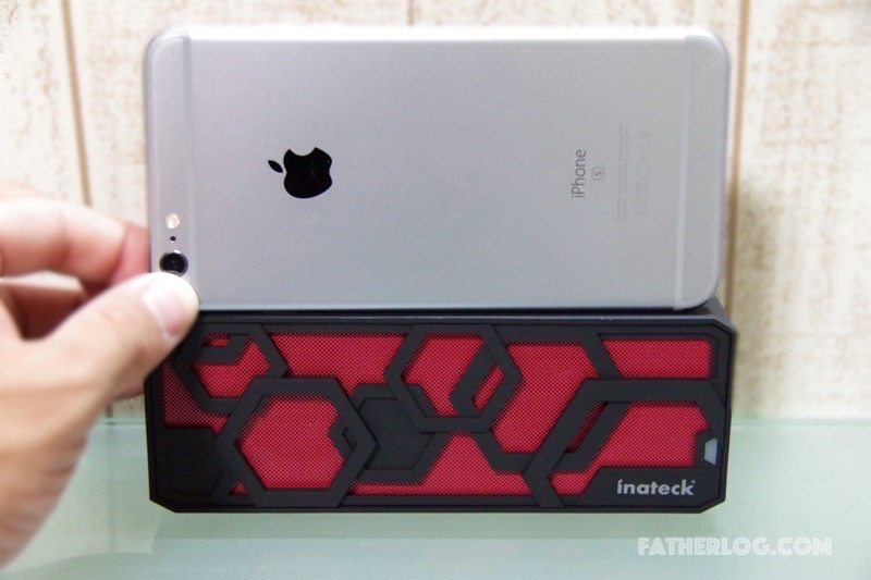 Inateck-Bluetooth-Portable-Speaker-06