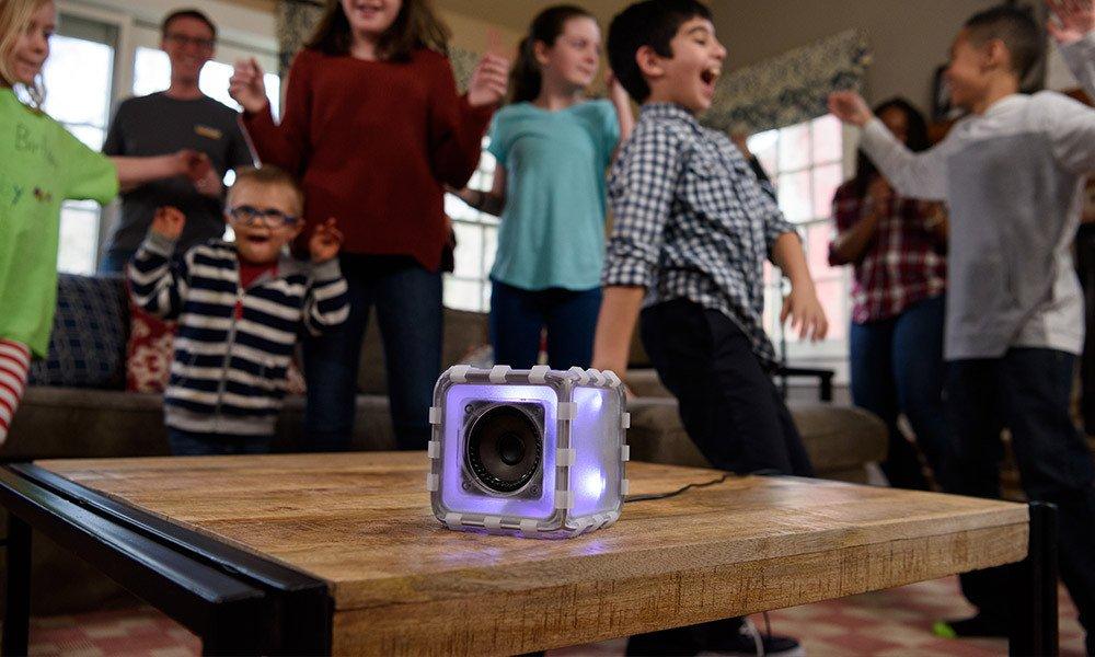夏休みの自由研究に最適!子供でも組み立て可能なBOSEスピーカーが自作ながら本格的すぎる!
