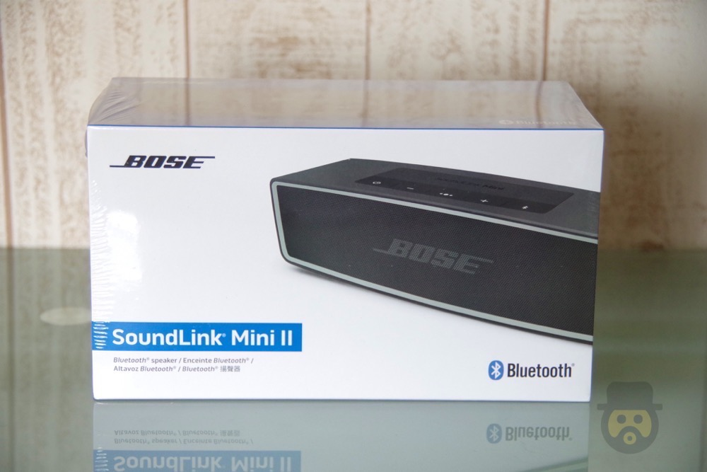 bose-soundlink-mini-bluetooth-speaker-02