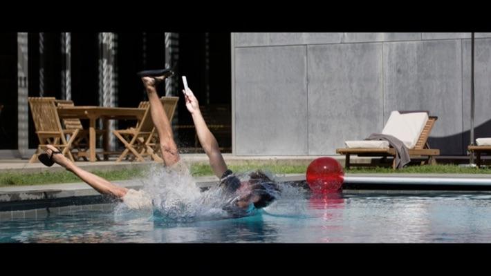iphone7-ip67-water-proof-04