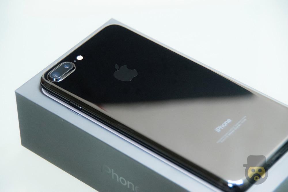 iphone-7-plus-jetblack-review%e2%88%9209