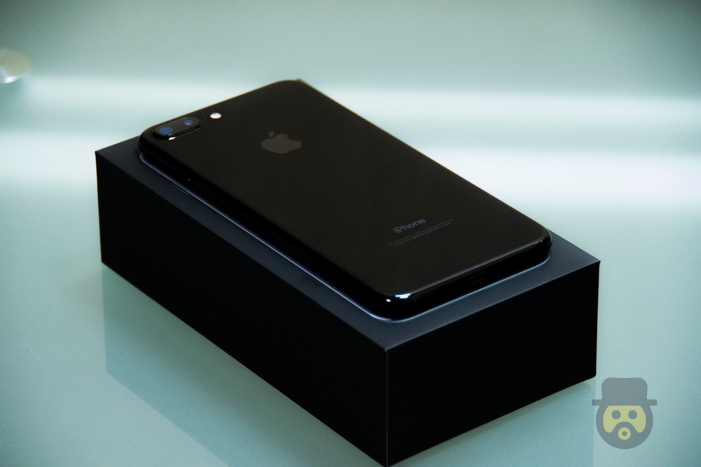 iphone-7-plus-jetblack-review%e2%88%9208