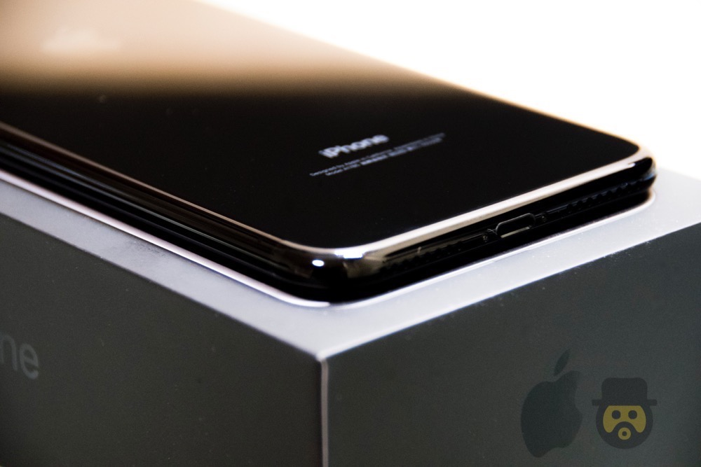 iphone-7-plus-jetblack-review%e2%88%9210