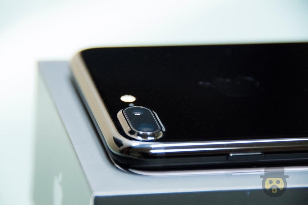 iphone-7-plus-jetblack-review%e2%88%9212