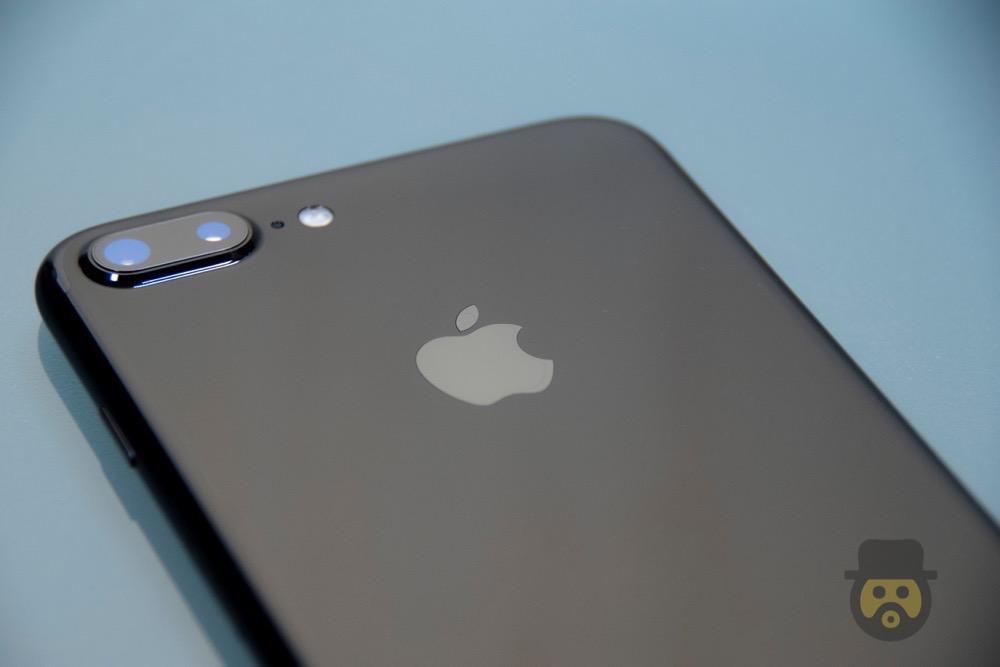 iPhone 7 Plus 「ジェットブラック」外観レビュー!輝く色合いが最高に美しい!