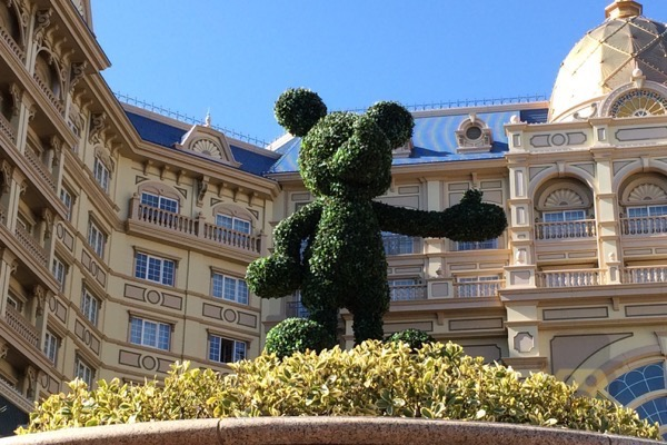 tokyo-disneyland-hotel-concierge-turret-room-37