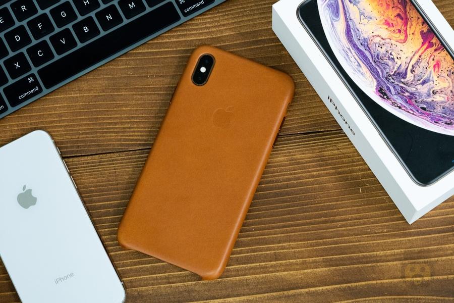 【レビュー】iPhone XS Max用の純正「レザーケース」、定番であり鉄板なアイテム!