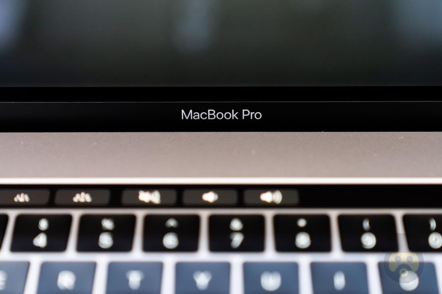 僅か1ヶ月強で2万円も安くなった「MacBook Pro」。Apple、一体どうした。