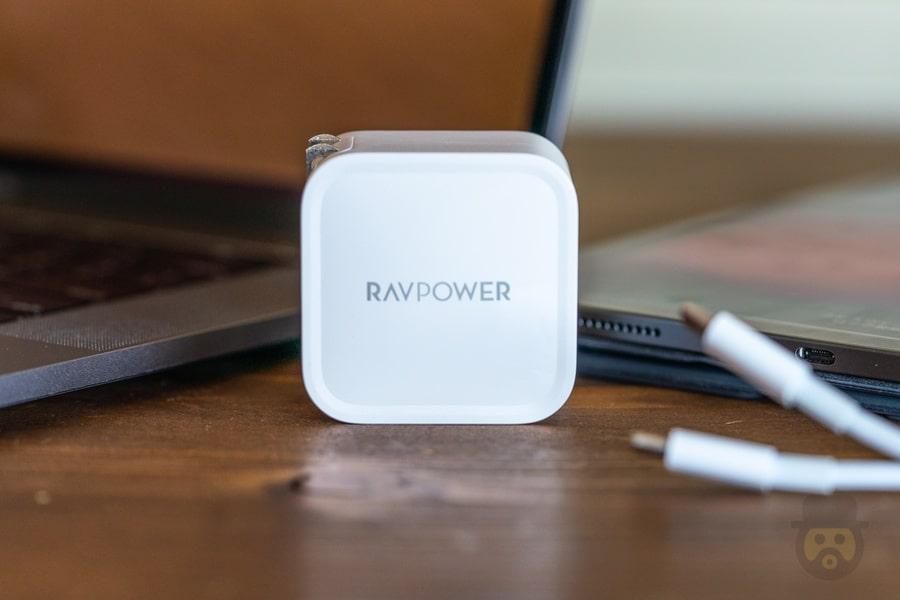RAVPOWER GaN Adaptor 11
